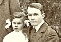 With his sister Winifred in 1908